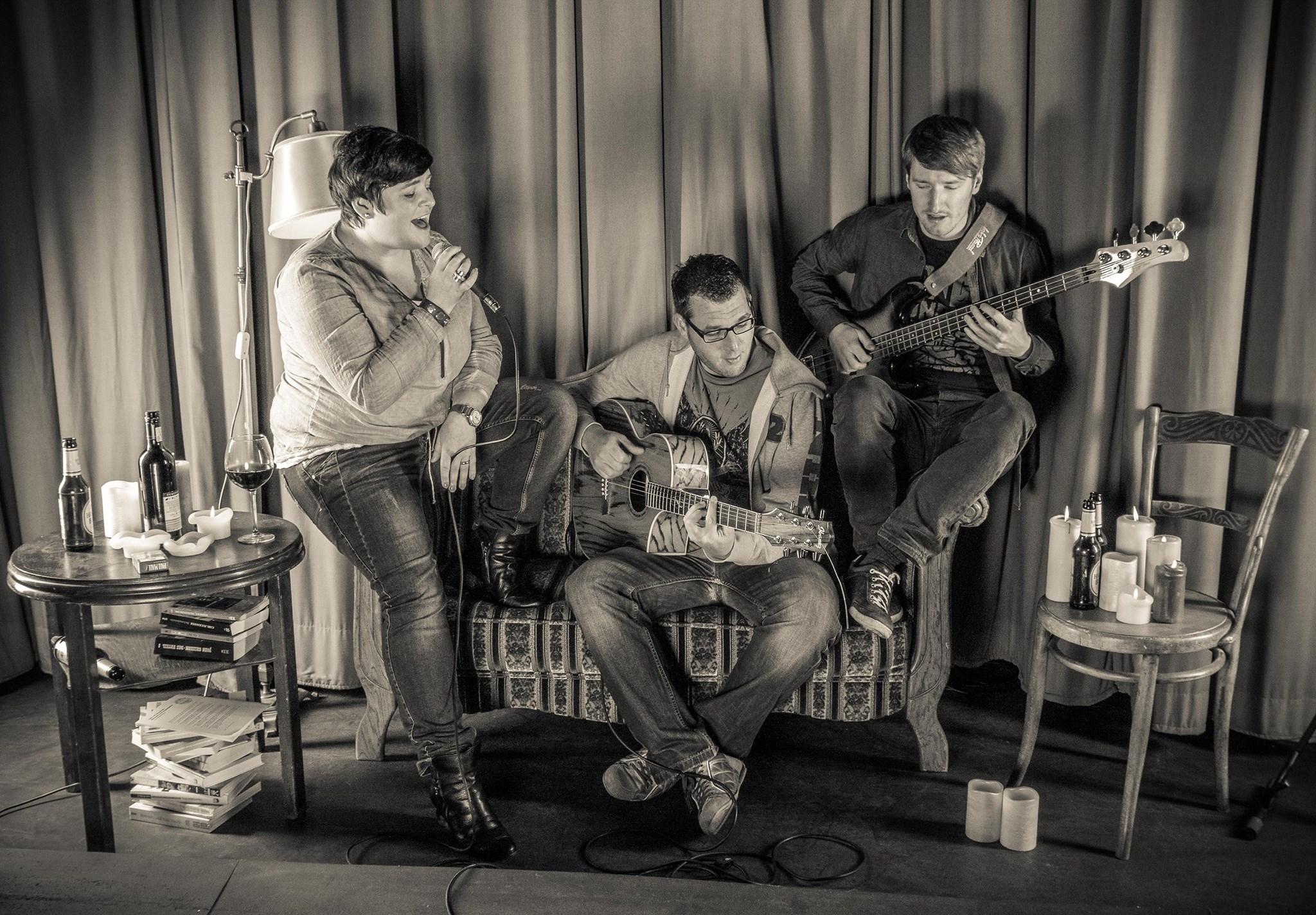 Sofacoustic Live in der Kiste in Cuxhaven