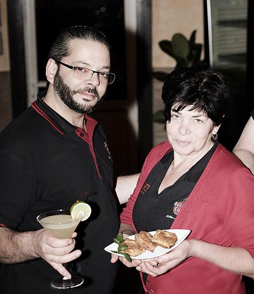 Benito und Felisa - Chef und Küchencheffin von der Cocktailbar und Tapasbar Die Kiste in Cuxhaven